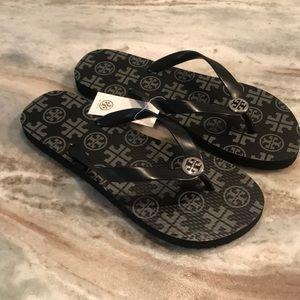 5b8edbf514498b Women s Discount Tory Burch Sandals on Poshmark